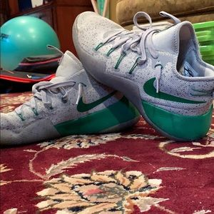 Nike Isaiah Thomas PE Basketball Shoe